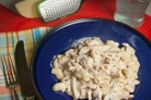 Макароны со сливками и грибами
