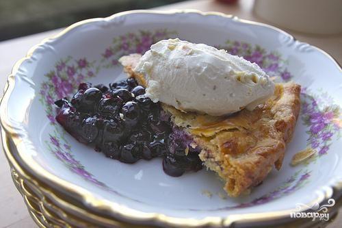 Черничный пирог с лимонной цедрой