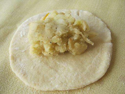 Пирожки с капустой на кефире - фото шаг 10