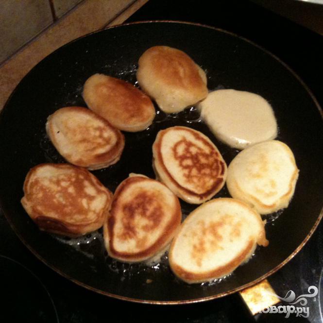 Пышные оладьи на кислом молоке без яиц рецепт пошагово