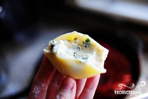 Макароны Ракушки с сыром и томатным соусом - фото шаг 5