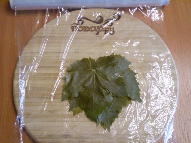 Виноградные листья на зиму - фото шаг 5