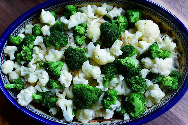 Запеканка из брокколи и цветной капусты - фото шаг 15