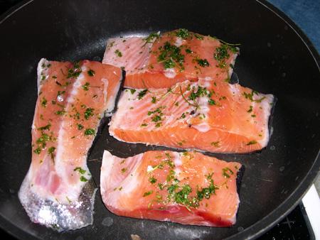 Жареный лосось на сковороде рецепт пошагово