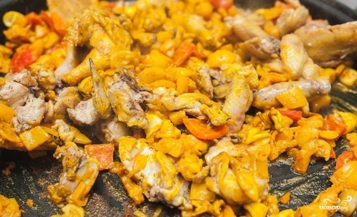 Паэлья с морепродуктами и курицей - фото шаг 4
