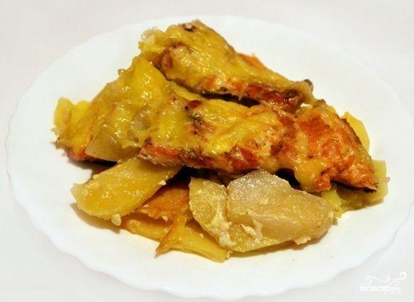 Горбуша с картофелем в духовке - фото шаг 7