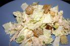 Салат с сухариками и пекинской капустой