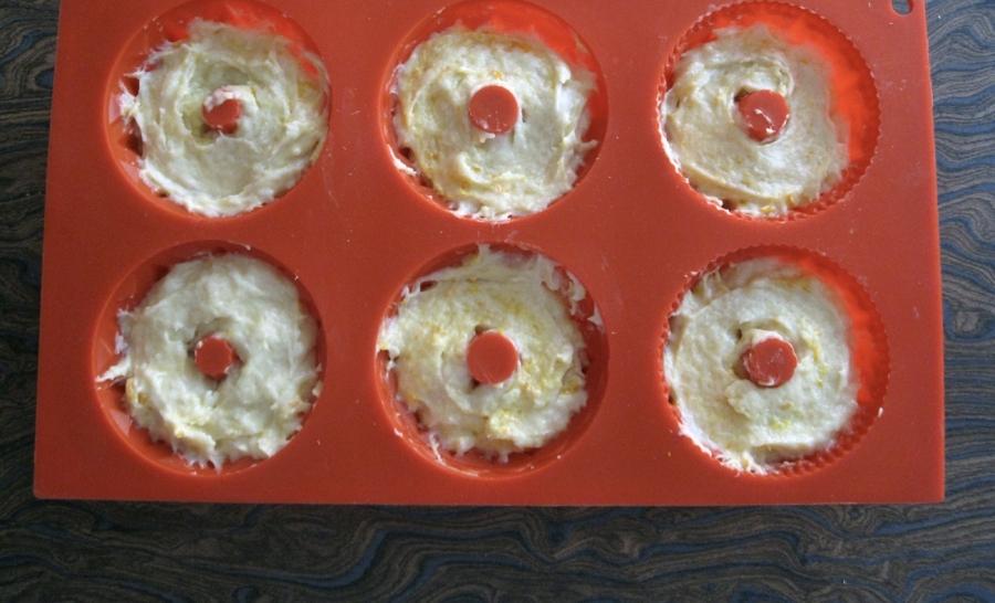 Кексы простые на кефире - фото шаг 7