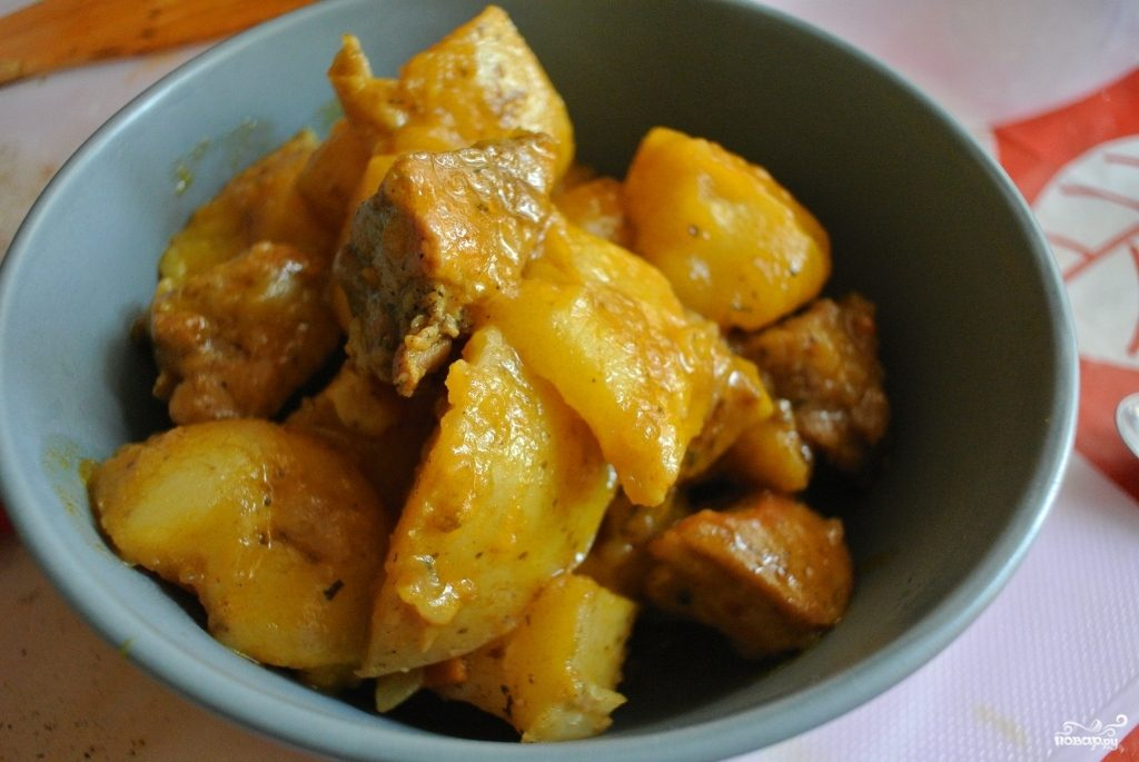 Блюдо с голенью курицы
