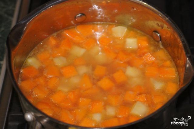 Суп-пюре из тыквы с сельдереем - фото шаг 2