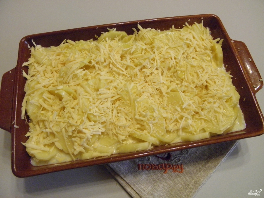 Картофель, запеченный в духовке с сыром - фото шаг 6