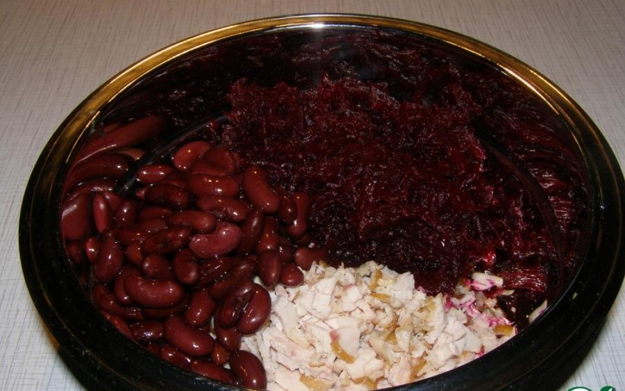 Салат с курицей и свеклой - фото шаг 3
