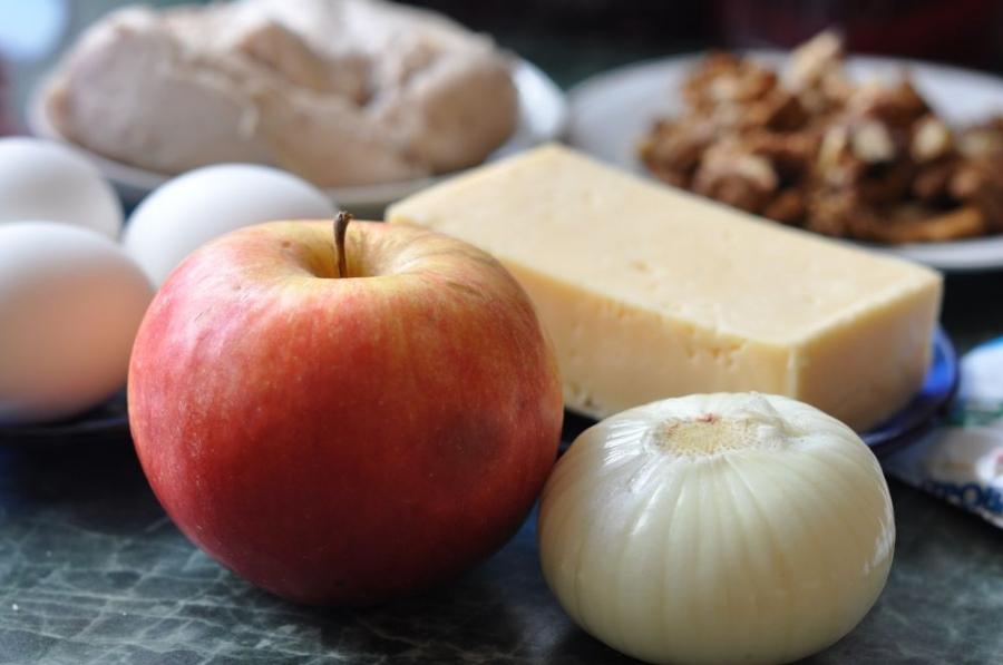 Рецепт Куриный салат с грецкими орехами