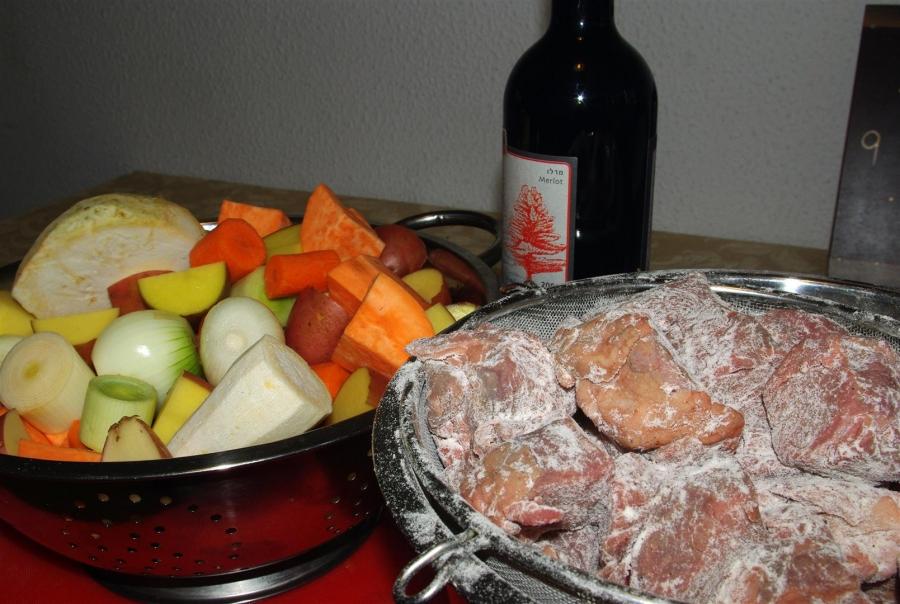 Говядина и овощи в казане - фото шаг 2