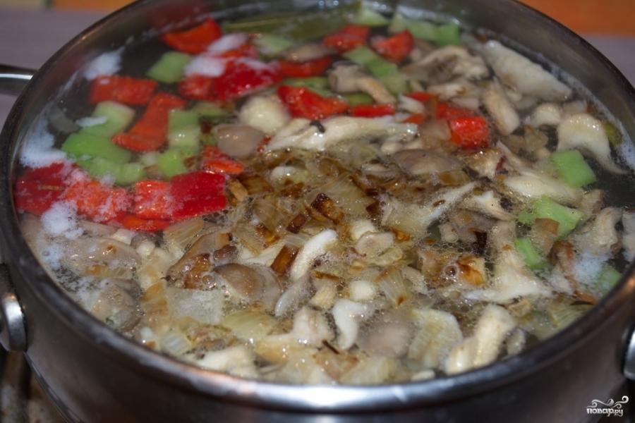 Суп из вешенок с картошкой - фото шаг 5