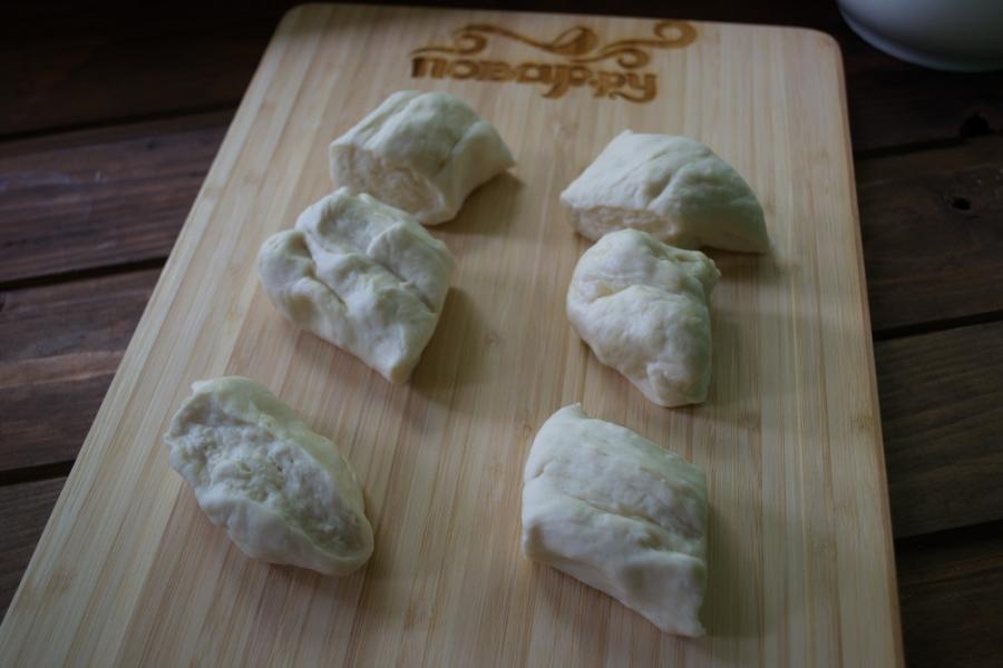 Чебуреки с творогом и зеленью - фото шаг 5