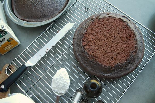 Клубнично-шоколадный торт - фото шаг 4