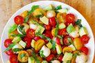 Салат с авокадо и сыром