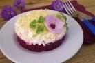 Слоеный салат со свеклой