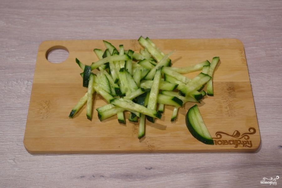 Салат с салями и кукурузой - фото шаг 2