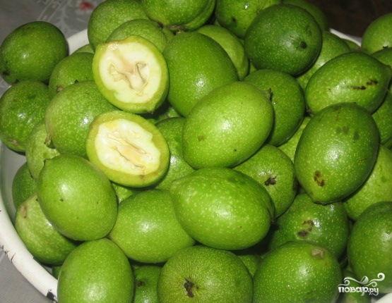 Варенье из зелёных грецких орехов - фото шаг 1