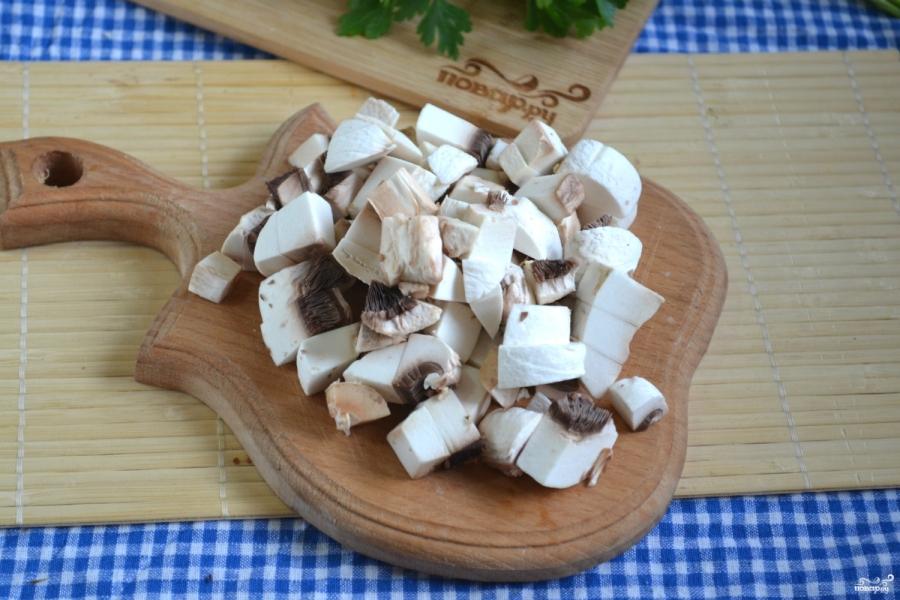 Салат с корейской морковкой и грибами - фото шаг 2
