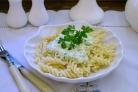 Макароны под сырным соусом
