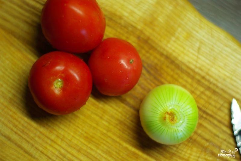 Яичница с помидорами - фото шаг 1