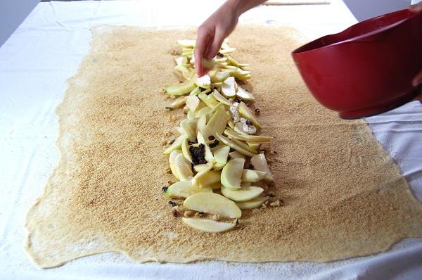 Тесто для штруделя - фото шаг 10