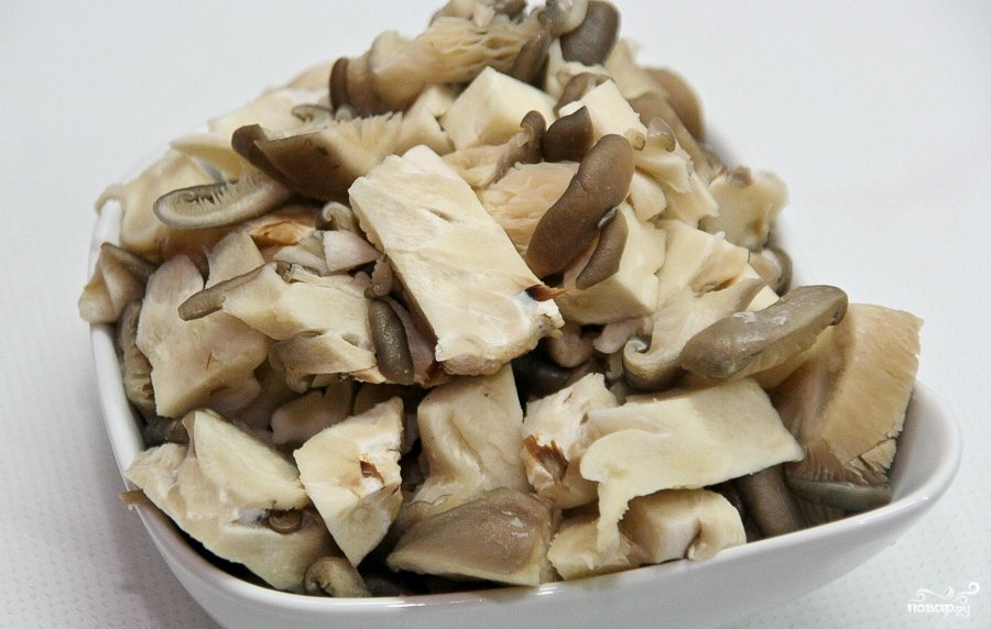 Говядина с черносливом и грибами - фото шаг 3