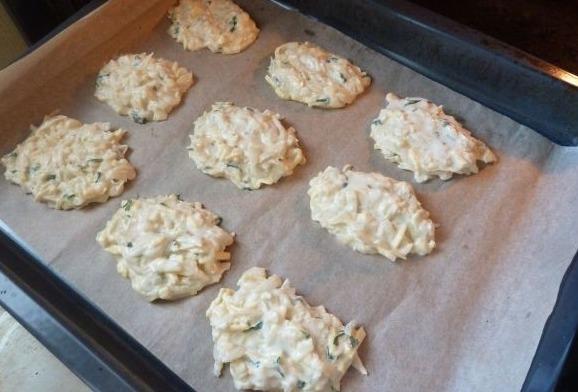 Капустные оладьи в духовке - фото шаг 6