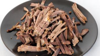 Рецепт Простой салат из говяжьего языка