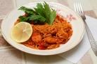 Спагетти с сосиской и соусом