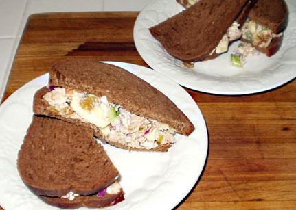 Изысканный бутерброд с тунцом - фото шаг 10