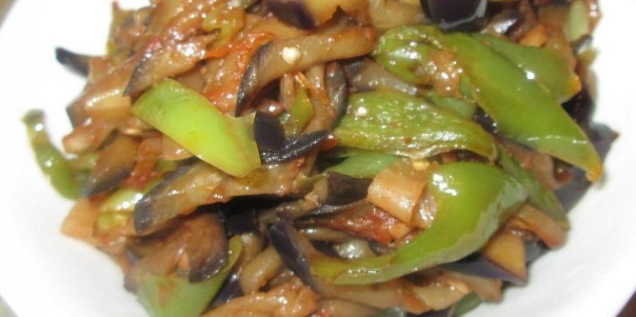 Баклажаны, жаренные с перцем и помидорами - фото шаг 6