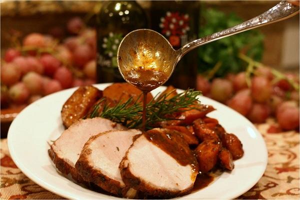 Свинина, запеченная с овощами - фото шаг 7