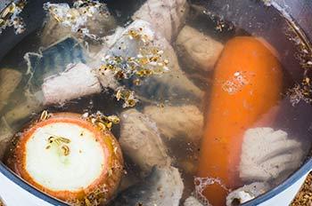 Заливное из скумбрии - фото шаг 3