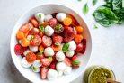 Салат Моцарелла с помидорами