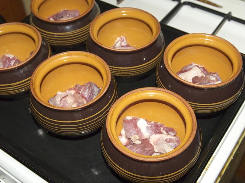 Рецепт Чанахи из баранины в горшочках