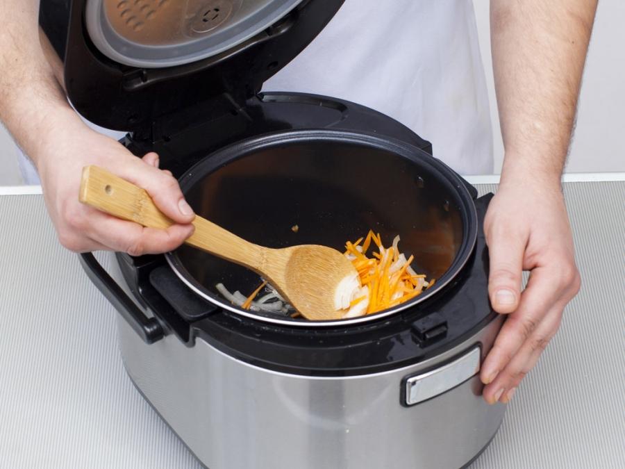 Суп с клёцками в мультиварке - фото шаг 2