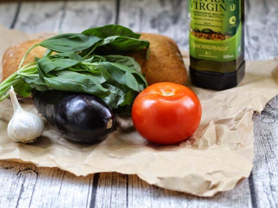 Рецепт Брускетта с баклажанами и помидорами