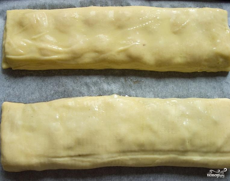 Штрудель из творожного теста с вишневой начинкой - фото шаг 6