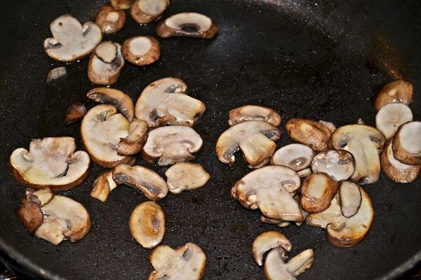 Рецепт Рулетики с грибами и сыром