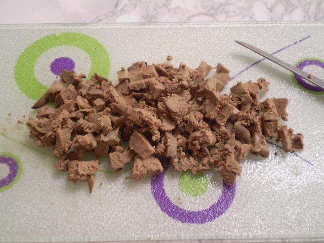 Вкусный салат с корейской морковкой - фото шаг 3