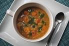 Суп из сквоша и чечевицы с кориандровым маслом