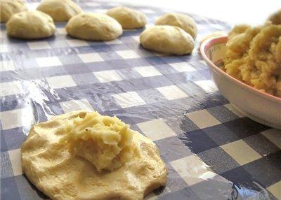 Тесто на пирожки с картошкой - фото шаг 2