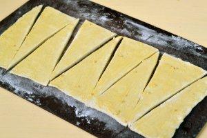 Круассаны с ветчиной и сыром - фото шаг 4