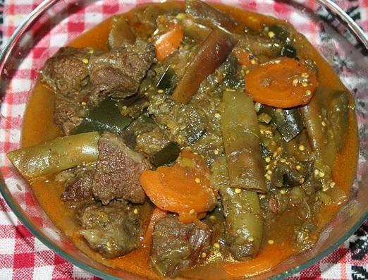 Говядина в горшочке с овощами - фото шаг 6