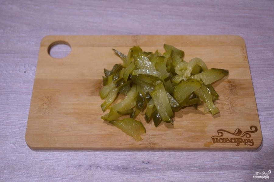 Салат с салями и кукурузой - фото шаг 3