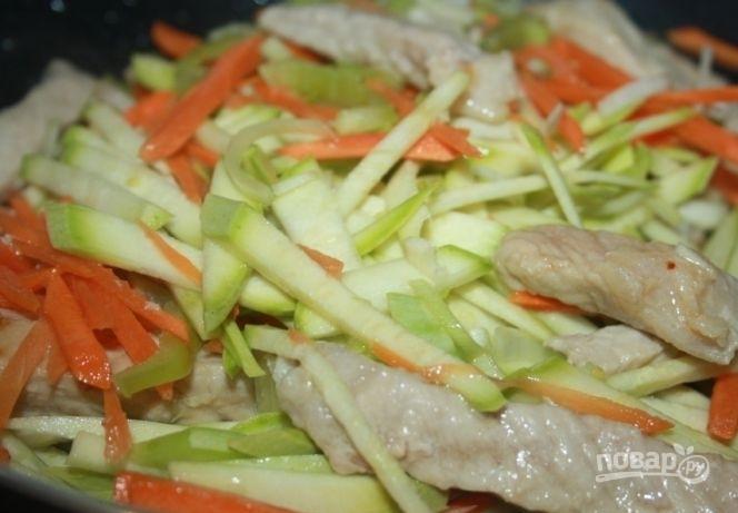 Китайская лапша со свининой - фото шаг 2